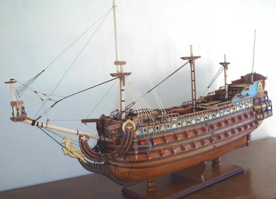 maquette bateau bois construire soleil royal. Black Bedroom Furniture Sets. Home Design Ideas